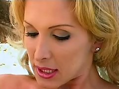 Hot shemale enjoys oral sex outdoor