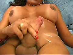 Shemales jizz by turns in groupsex